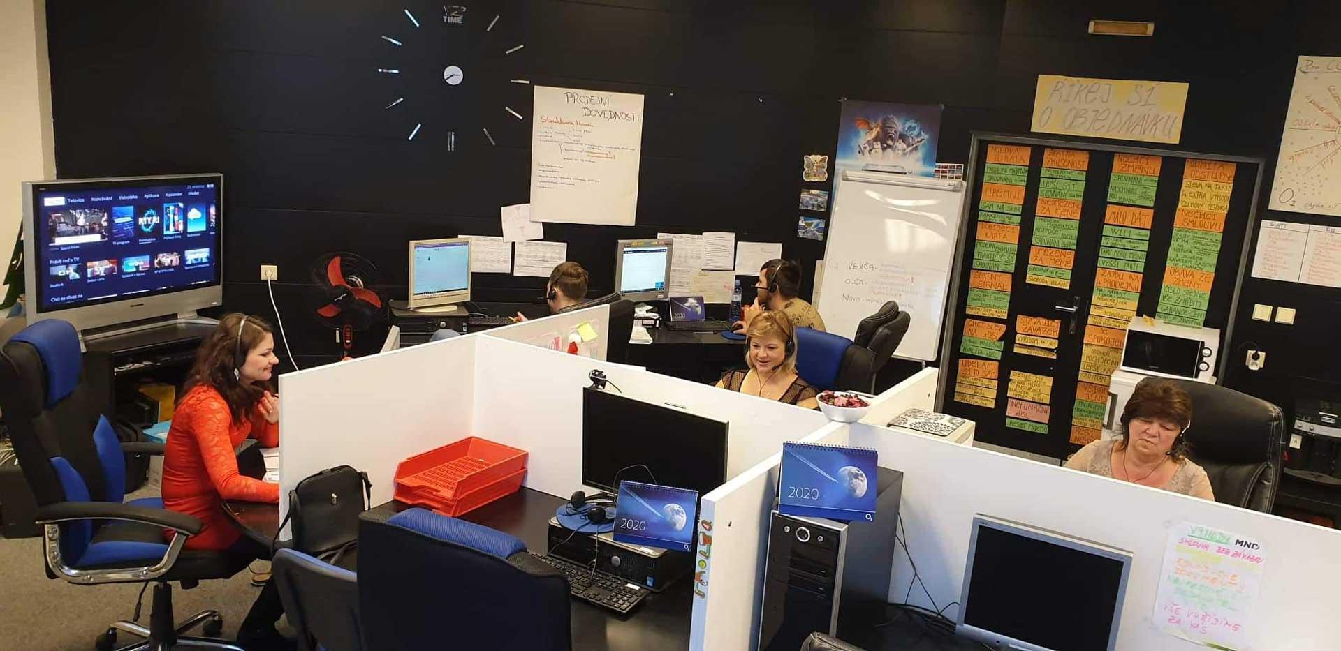 Call Centrum - Jsme.cool | Aktivní i pasivní telemarketing